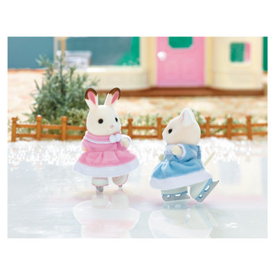Calico Critters - Ice Skating Friends Bell Hopscotch Rabbit and Susie Silk Cat