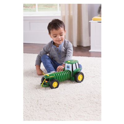 TOMY - John Deere Johnny Tractor Tag Along