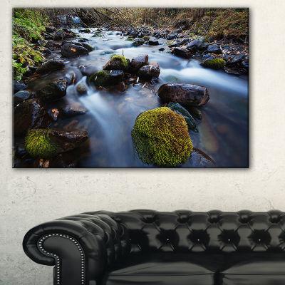 Designart Fast Flowing Mountain River Landscape Photography Canvas Art Print - 3 Panels