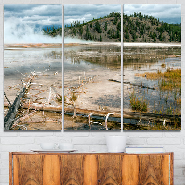 Designart Grand Prismatic Spring Landscape Photography Canvas Art Print - 3 Panels