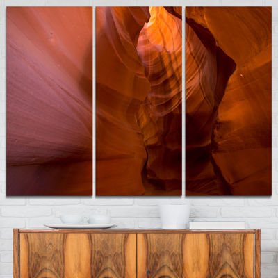 Designart Antelope Canyon Crack Landscape Photography Canvas Print - 3 Panels