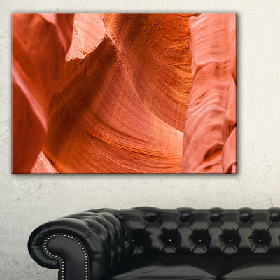 Designart Antelope Canyon Details Landscape PhotoCanvas Art Print - 3 Panels
