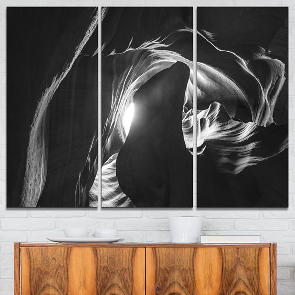 Designart Antelope Canyon In Navajo Landscape Photography Canvas Print - 3 Panels