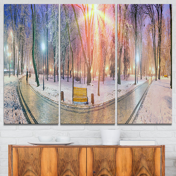 Designart Beautiful Mariinsky Garden View Landscape Photography Canvas Print - 3 Panels