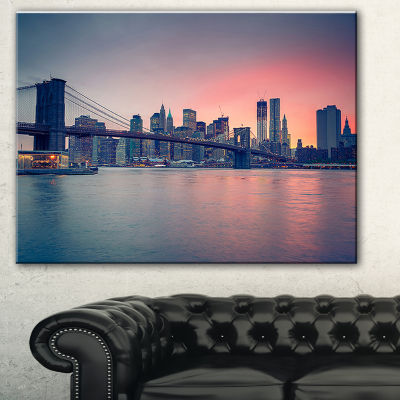 Designart Brooklyn Bridge At Dusk Cityscape PhotoCanvas Print - 3 Panels