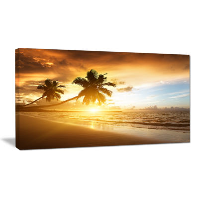 Designart Caribbean Seashore Sunset Seascape Photography Canvas Art Print