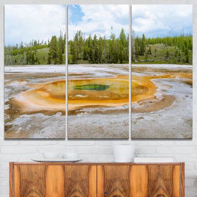Designart Chromatic Morning Glory Pool LandscapePhotography Canvas Print - 3 Panels