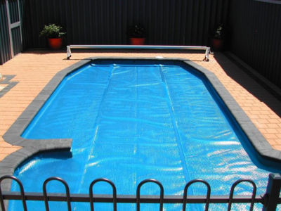 24' Round Heat Wave Solar Blanket Swimming Pool Cover - Blue