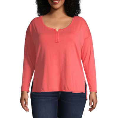 Arizona Long Sleeve Scoop Neck T-Shirt-Juniors Plus