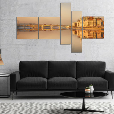 Designart Hungarian Parliament Panorama MultipanelCityscape Canvas Art Print - 5 Panels