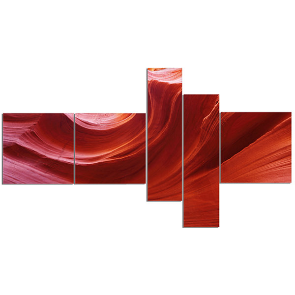 Designart Illuminated Antelope Canyon MultipanelLandscape Photo Canvas Art Print - 5 Panels