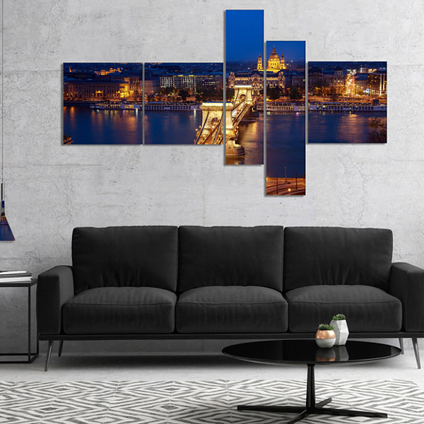 Designart Illuminated Cain Bridge Budapest Multipanel Cityscape Canvas Art Print - 4 Panels
