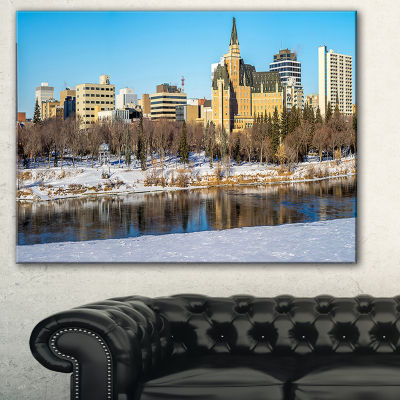 Designart Saskatoon Skyline Landscape Photo CanvasArt Print - 3 Panels