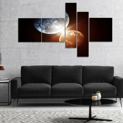 Designart Kiss Between Two Planets Multipanel Spacescape Canvas Art Print - 5 Panels