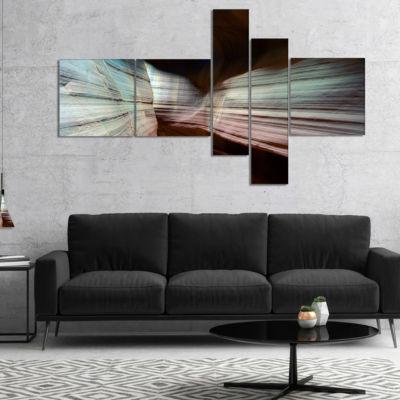 Designart Antelope Canyon Arizona Multipanel Landscape Photo Canvas Art Print - 5 Panels