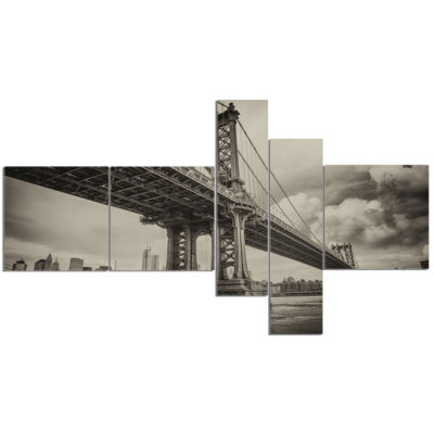 Design Art Manhattan Bridge In Dark Gray MultipanelCityscape Photo Canvas Print - 5 Panels