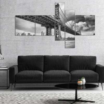 Designart Manhattan Bridge In Gray Shade Multipanel Cityscape Photo Canvas Print - 4 Panels