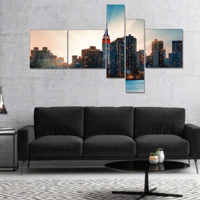 Designart Manhattan Skyline At Bright Sunset Multipanel Extra Large Canvas Art Print - 5 Panels
