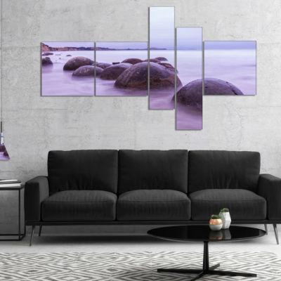 Designart Moeraki Boulders New Zealand MultipanelSeashore Photo Canvas Art Print - 5 Panels
