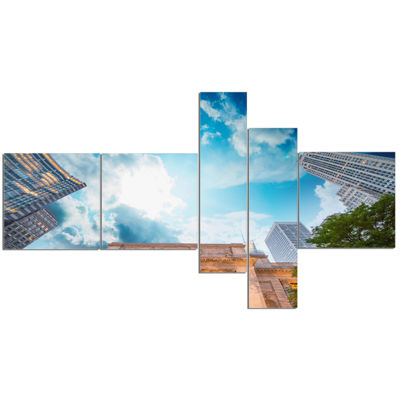Designart New York Public Library Multipanel Cityscape Canvas Art Print - 5 Panels