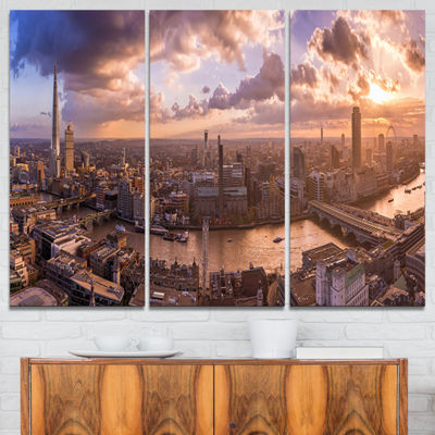 Designart Sunset Through Clouds In London Photography Canvas Art Print - 3 Panels