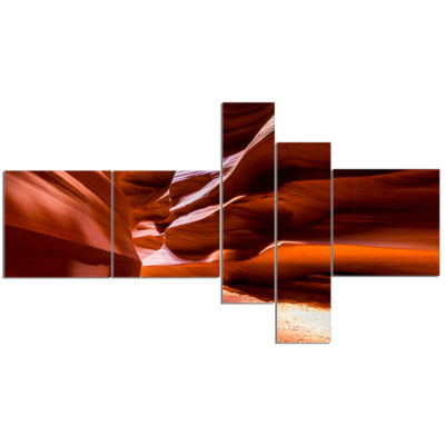 Designart Breathtaking Antelope Canyon MultipanelLandscape Photo Canvas Art Print - 5 Panels
