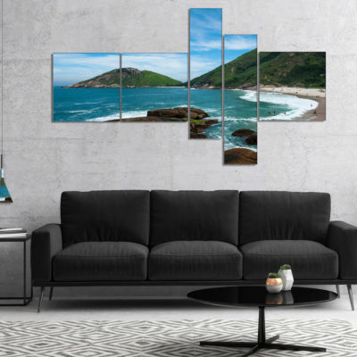 Designart Praia Do Meio Beach Multipanel SeashorePhotography Canvas Art Print - 5 Panels