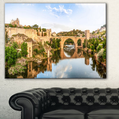 Designart Toledo Bridge In Spain Landscape Photography Canvas Art Print - 3 Panels