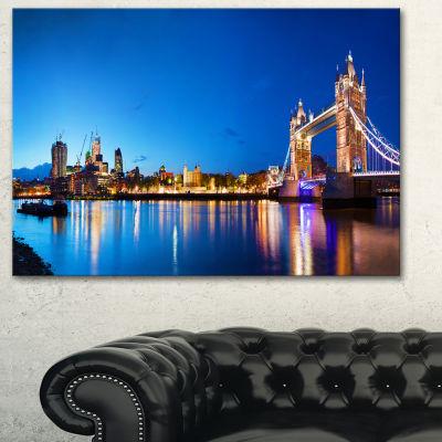 Designart Tower Bridge London Cityscape Photo Canvas Art Print - 3 Panels