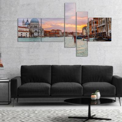 Designart Santa Maria Della Salute Multipanel Cityscape Canvas Art Print - 5 Panels