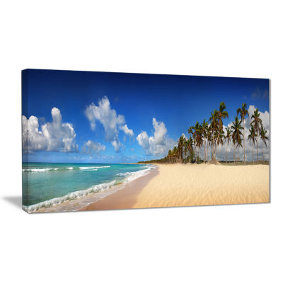 Designart Tropical Exotic Beach Landscape Photography Canvas Art Print