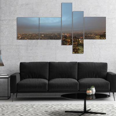 Designart Shinjuku District View Point MultipanelCityscape Canvas Art Print - 4 Panels
