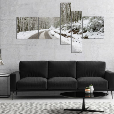 Designart Snow Storm At Piornedo Spain MultipanelLarge Landscape Canvas Art - 4 Panels
