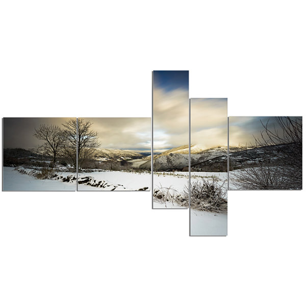 Designart Snow Storm In Spain Multipanel LandscapePhotography Canvas Art Print - 5 Panels