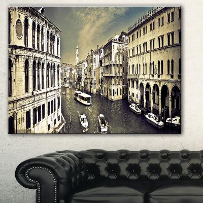 Designart Venice Cityscape Photography Canvas ArtPrint - 3 Panels