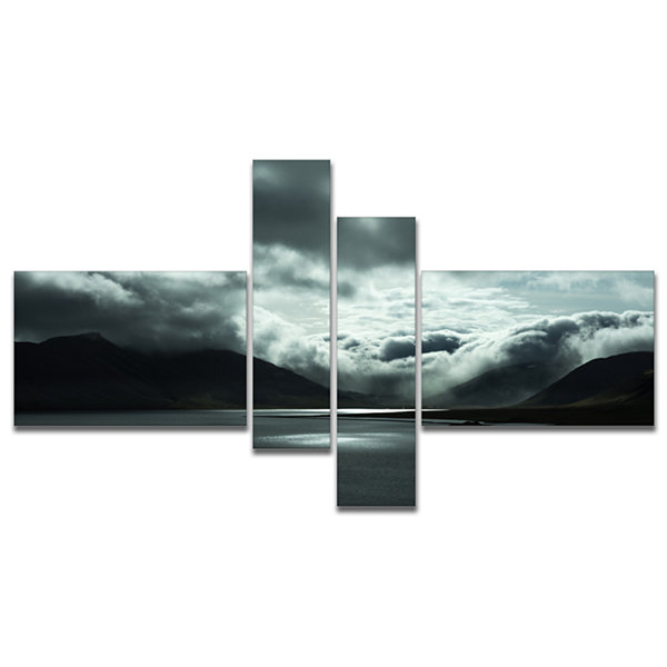 Designart Stormy Iceland In The Summer MultipanelSeashore Canvas Art Print - 4 Panels