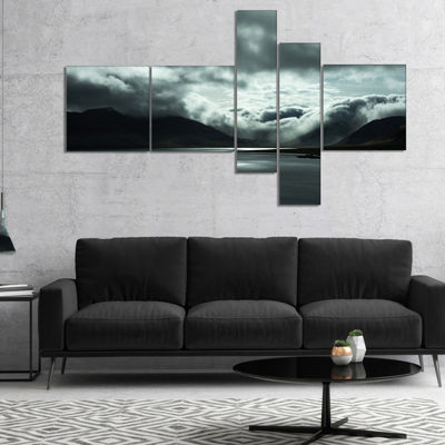 Designart Stormy Iceland In The Summer MultipanelSeashore Canvas Art Print - 5 Panels