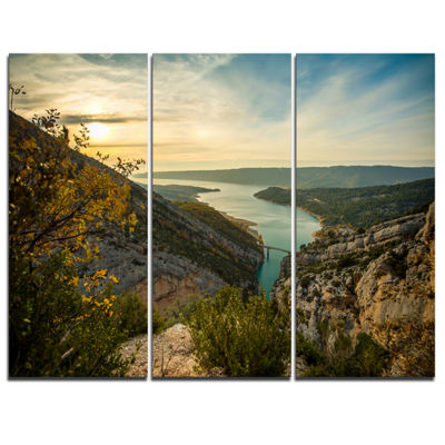 Designart View Of Gorges Du Verdon France Photography Canvas Art Print - 3 Panels