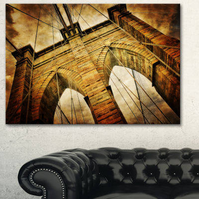 Designart Vintage Brooklyn Bridge Contemporary Canvas Art Print - 3 Panels