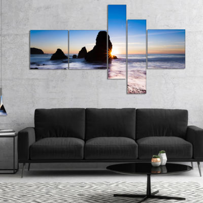 Designart Sunset At Rodeo Beach Panorama Multipanel Seashore Canvas Art Print - 5 Panels