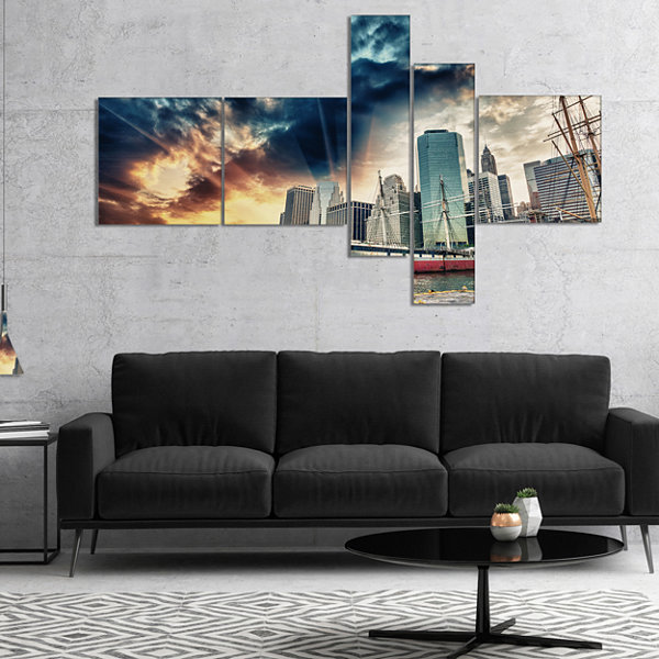 Designart Sunset Colors Of Manhattan Multipanel Cityscape Photo Canvas Print - 5 Panels