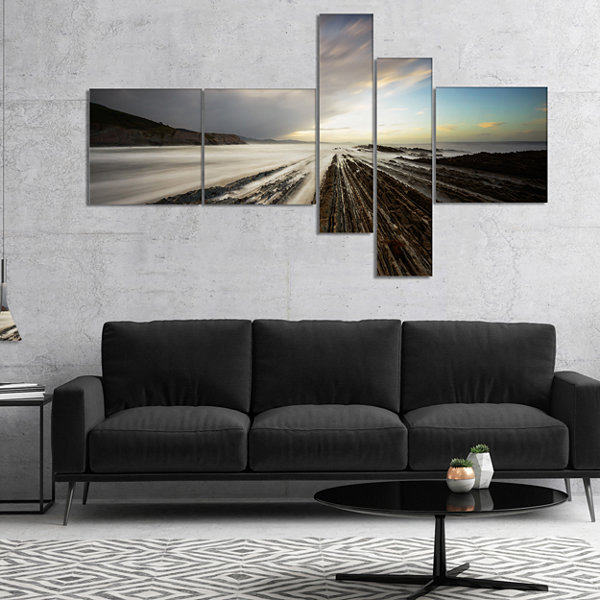 Designart Surreal Atlantic Ocean Coast MultipanelSeashore Photo Canvas Art Print - 4 Panels