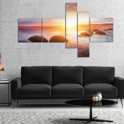 Designart Evening Sun Over Moeraki Boulders Multipanel Seashore Photo Canvas Print - 4 Panels