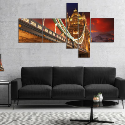 Designart Famous Tower Bridge At Night MultipanelModern Cityscape Canvas Art Print - 5 Panels