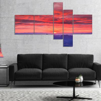 Designart First Light Morning Sunrise MultipanelSkyline Photography Canvas Art - 5 Panels