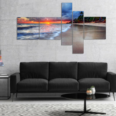 Designart Fluffy Dark Clouds Over Ocean MultipanelSeashore Canvas Art Print - 4 Panels