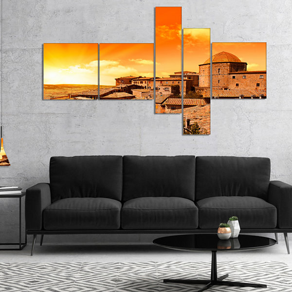 Designart Wonderful Italy Tuscany Hill At Dawn Multipanel Extra Large Canvas Art Print - 5 Panels