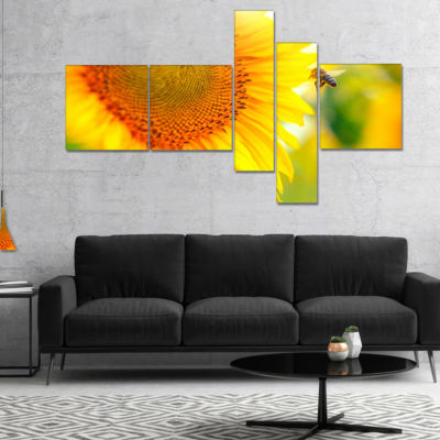 Designart Beautiful Sunflowers Blooming MultipanelAbstract Canvas Wall Art - 5 Panels