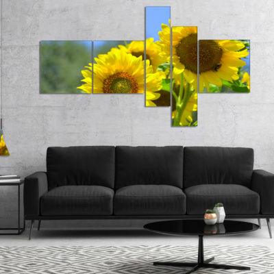 Designart Beautiful Sunflowers View Multipanel Floral Canvas Art Print - 5 Panels