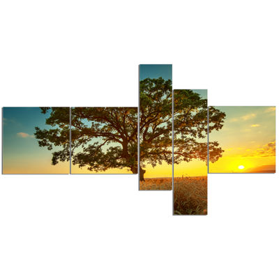 Designart Big Green Tree In Summer Field Multipanel Trees Canvas Art Print - 5 Panels